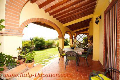 Italy vacation  Az. Agr.  francesco    Agriturismo Farm Vacation House & Motorhome , Az. IL Querciollo , Toscana , garda , Napoli Amalfi, Tuscany & Umbria