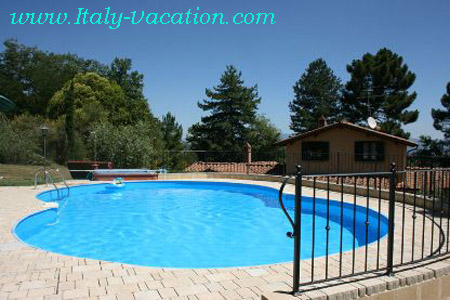 Italy vacation Alba farmhouse  Agriturismo Farm Vacation House & Motorhome , Toscana  , Tuscany & Umbria