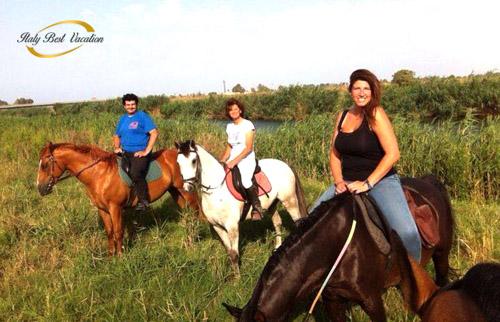 Az. Giardino Catania - horses riding in the landscape