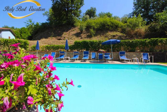Ag. Belze – Pratomano   Agriturismo  pool .  Italy vacation farm  near  Firenze  25 km