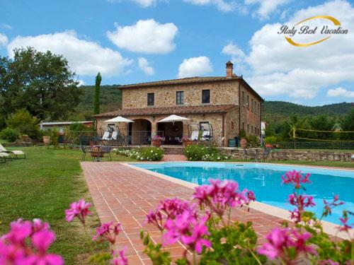 Italy-Vacation  La Quieto Toscana . you can easy visit Arezzo and  Festival sansepolcro