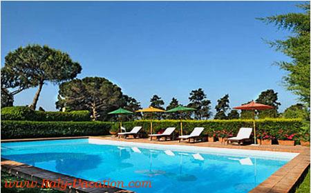 Italy-Vacation-Gulia_House_Napoli_Pool
