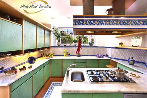 Italy-Vacation-Villa il Gioiello kitchen - Luxury Villa in Sorrento