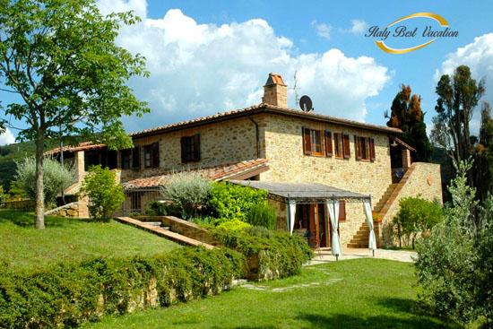 L'Agriturismi Frantoio - ancient  farmhouses    location :  Chiusi 5km, Siena 60km , Firenze 100Km, Perugia 35Km , Lake Trasimeno 10km ,