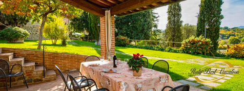 L'Agriturismi Frantoio - ancient  farmhouses 9 appartments   location :  Chiusi 5km, Siena 60km , Firenze 100Km, Perugia 35Km , Lake Trasimeno 10km ,
