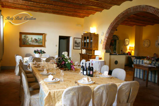 casale di Michelangelo      Sleeps 18     Brolio 2km   exlelent  casa vacanza   Luxury villa with private pool & indoor heated pool and a sauna,  ideal, panoramic position, between Arezzo and Cortona
