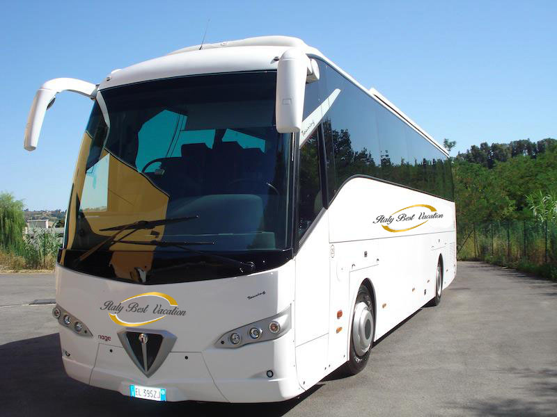 relaiable  Buses  and minibuses in Italy  השכרה אמינה של  מיניבוס ואוטובוסים באיטליה